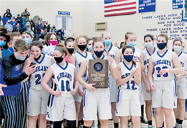 The Three Lakes girls basketball team defeated Athens in the Division 5 Sectional championship Saturday to advance to the WIAA State Tournament this Thursday. —Photo By Kerry Griebenow